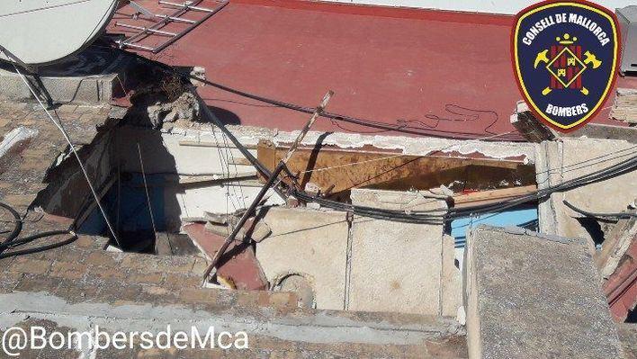 Se derrumba el techo de un local de kebabs en Calvià