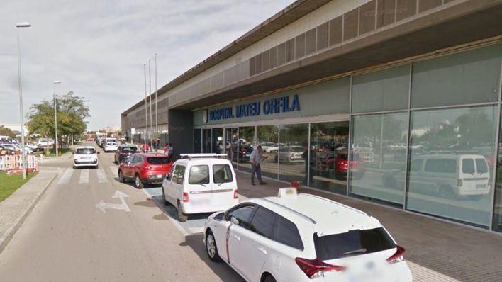 Tres heridos en un accidente entre un coche y un bus en Ciutadella