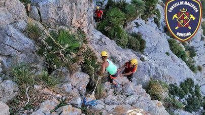Rescatan a una mujer atrapada en la Serra del Cavall Bernat