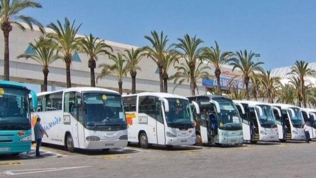 El transporte en autobús perderá 45 millones por la quiebra de Thomas Cook