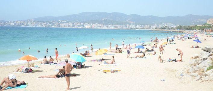 El superávit del sector turístico en España alcanza los 27.537 millones hasta julio
