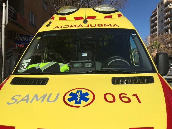 Un trabajador resulta herido grave tras ser atropellado por una apisonadora en s'Arenal