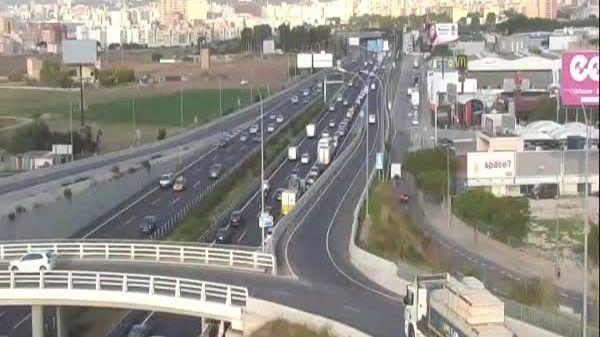 Grandes retenciones en la Autopista de Llucmajor por un accidente