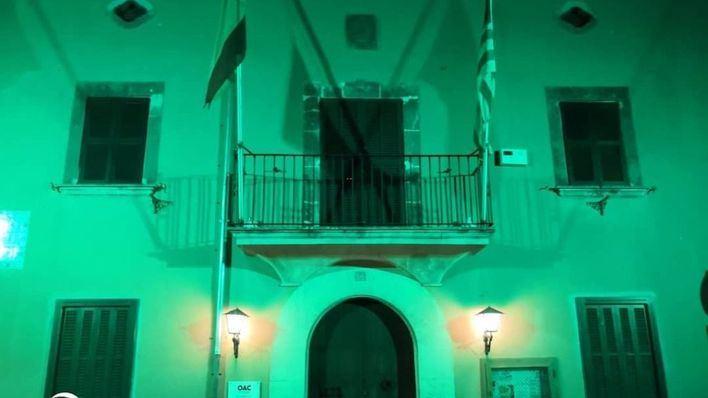 Marratxí ilumina en verde la fachada del Ayuntamiento por el Día de la Artritis
