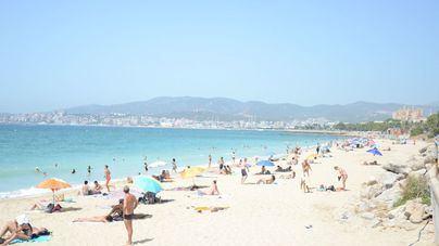 Reabren las playas de Can Pere Antoni y Ciutat Jardí cerradas por vertidos fecales