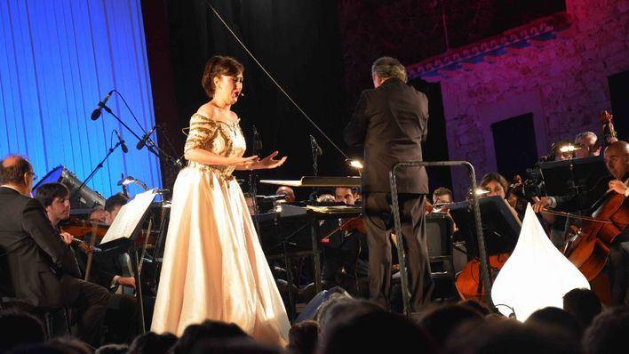 María José Montiel actúa en Santanyí con la Sinfónica de Baleares
