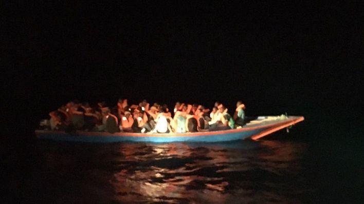 El Open Arms rescata a 40 migrantes en Malta y 30 mueren cerca de Lampedusa