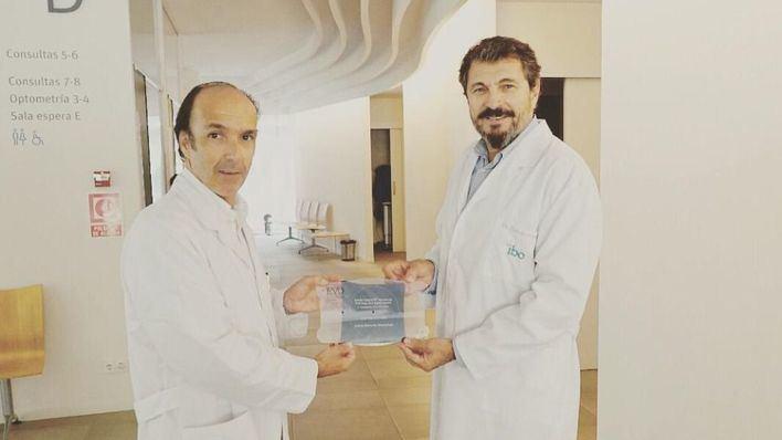 Premian al IBO en París por ser el centro con más implantaciones de lentes intraoculares en Baleares