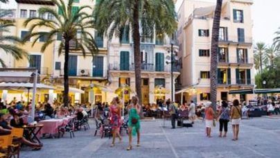 Sólo el 3 por ciento de las inspecciones a restaurantes y bares de La Lonja acaba en denuncia por ruidos