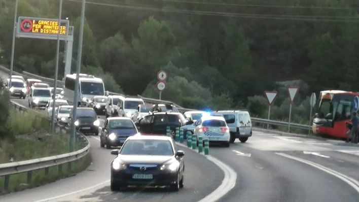 Un accidente en Camp de Mar complica el tráfico en hora punta