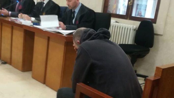 La fiscalía pide 39 años para el acusado de quemar a su pareja en Alcúdia en 2016