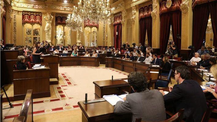 Las medidas sobre Thomas Cook anunciadas por el Govern, a debate en el Parlament