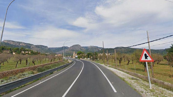 En estado crítico un motorista tras chocar contra un coche en la carretera de Valldemossa