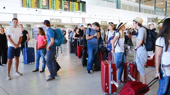 Exceltur revisa a la baja hasta el 1,4 por ciento el crecimiento del turismo en España para este año