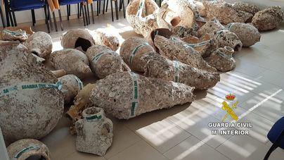 Recuperadas más de 100 piezas expoliadas de yacimientos subacuáticos mediante arrastre