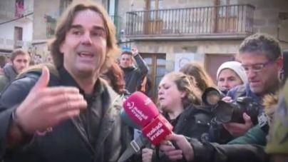 Detenido el periodista Cake Minuesa por forzar una puerta para acceder al Valle de los Caídos