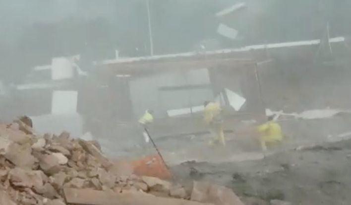 Cap de fibló en Ibiza: tres heridos al salir volando la caseta en la que se habían refugiado