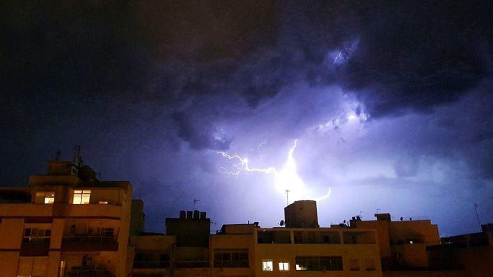 Caen 1.700 rayos en Mallorca en 24 horas