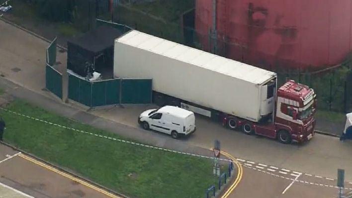 Detienen en Londres a un hombre con 39 cadáveres en su camión