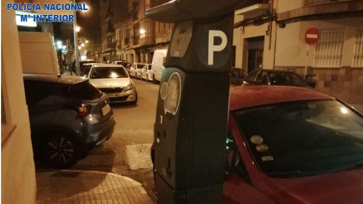 Pillado in fraganti forzando una máquina de la ORA en Pere Garau