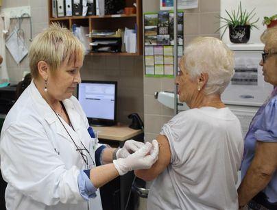 Distribuyen 144.100 vacunas contra la gripe en una campaña dirigida a colectivos de riesgo