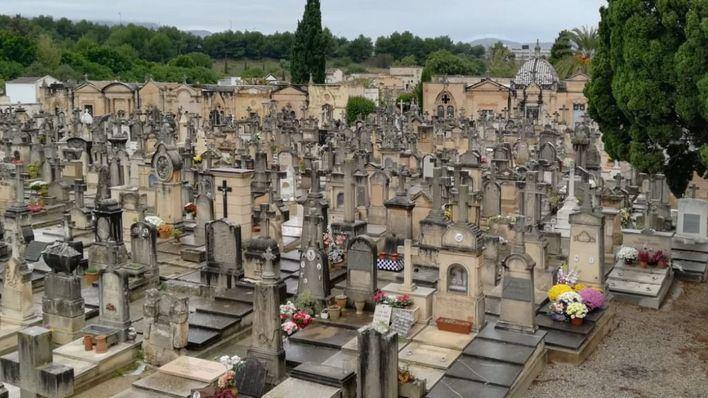 Dispositivo especial ante la visita de 25.000 personas en los cementerios de Palma el día de 'Tots Sants'