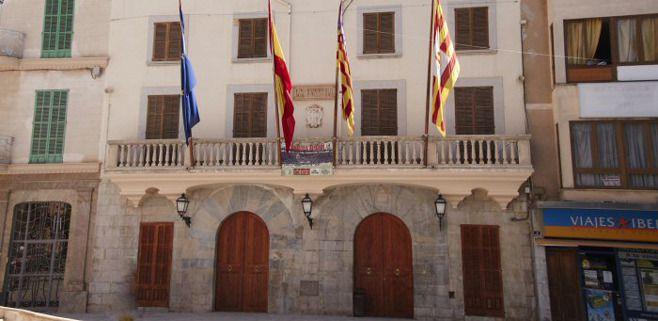 Los ayuntamientos critican al Govern por