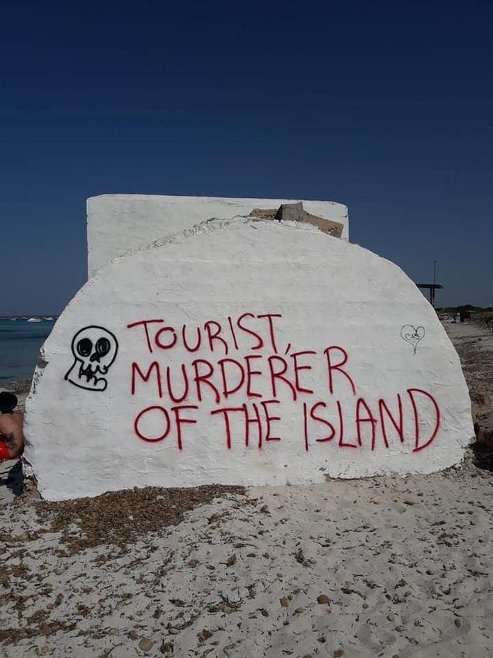 El Pacte rechaza condenar la turismofobia en el Parlament