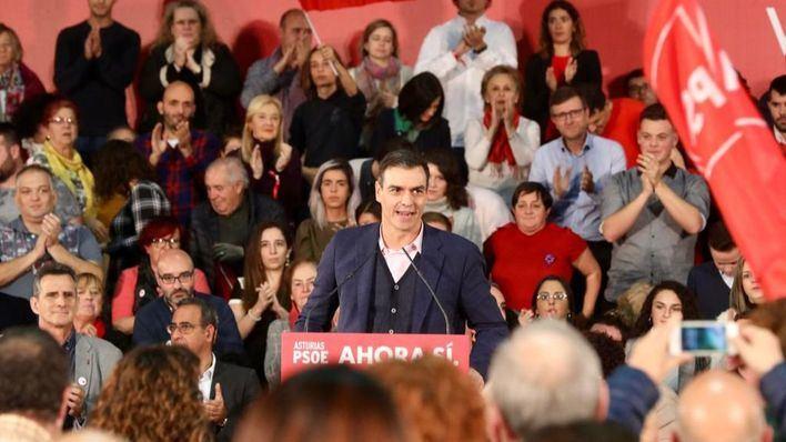 Sánchez se erige como parapeto a 'la España en blanco y negro' de Vox