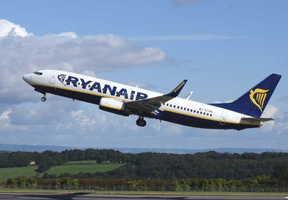 Ryanair retira aviones en servicio por grietas en sus estructuras