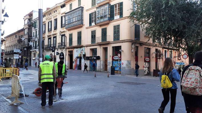 'Puesta a punto' de las calles más transitadas de Palma para la Navidad