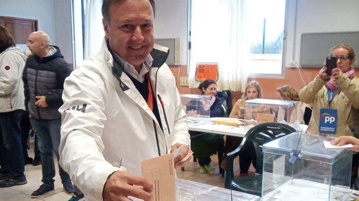 """Mesquida vota y pide a los ciudadanos que también lo hagan para """"desbloquear el país"""""""