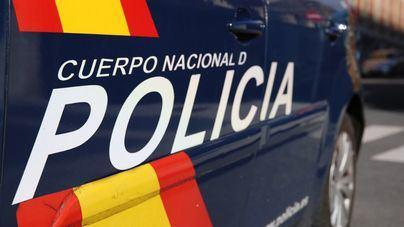 La reacción de un viandante permite detener a un ladrón tras dañar varios coches en Palma