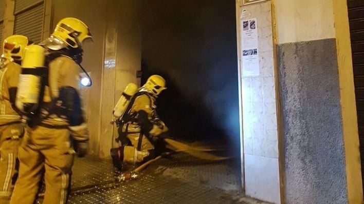 Arde un coche en un garaje subterráneo en Es Fortí