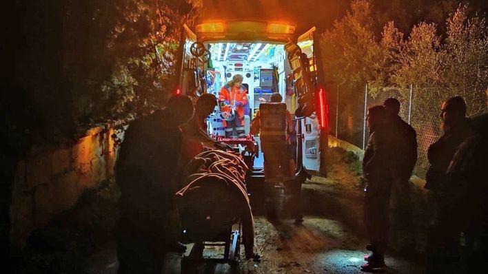 Rescatan a un hombre seminconsciente en el baño de su casa en Son Reus