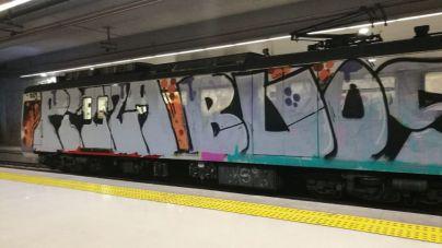 Limpiar los grafitis de los trenes de Mallorca cuesta 700.000 euros al año