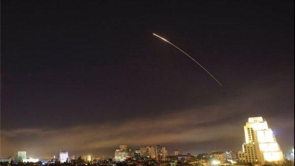 Israel ataca objetivos militares de Damasco
