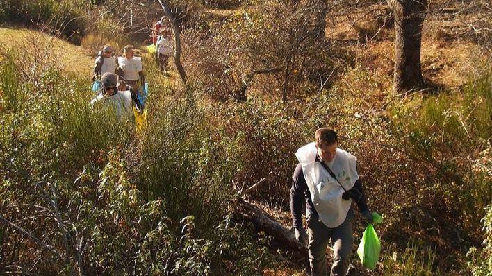 Libera busca voluntarios para recoger y analizar la basuraleza de los entornos terrestres