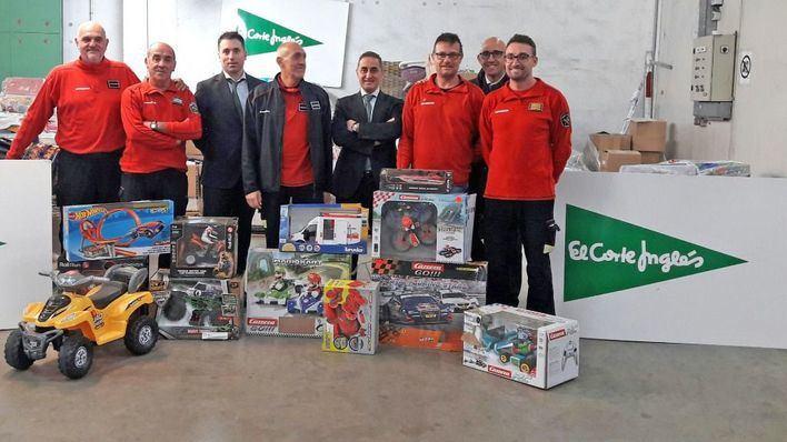 El Corte Inglés dona 700 juguetes para alegrar la Navidad a los más necesitados de la Part Forana
