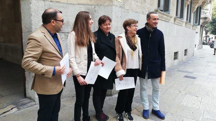 Pons y Jover no creen que los ERE pongan en peligro el pacto PSOE-Podemos