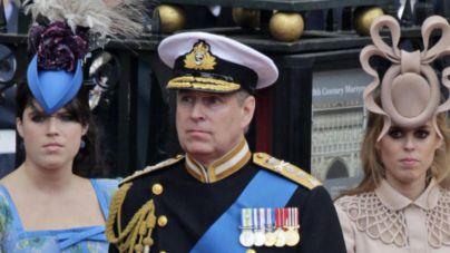 El príncipe Andrés de Inglaterra 'dimite' de la vida pública