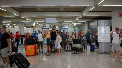 AVIBA denuncia un aumento del 20 por ciento del precio de los billetes de avión para Navidad