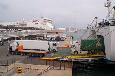 El transporte de mercancías por mar se encarece hasta un 20 por ciento a partir de enero