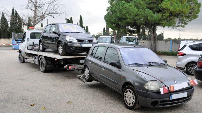 Comienza la retirada de 74 vehículos del depósito de Son Toells para su desguace