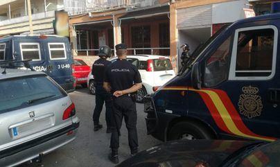 Detenido por estampar una botella en la cabeza del dueño de un bar en Mahón
