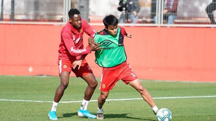 El japonés Take Kubo condiciona la alineación del Mallorca ante el Betis
