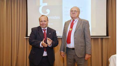 Miguel Bordoy, artífice de la compañía de seguridad Trablisa, recibe la Medalla de Oro del Colegio de Economistas