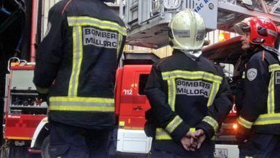 Desalojado un edificio en Port d'Andratx tras el incendio de uno de los pisos