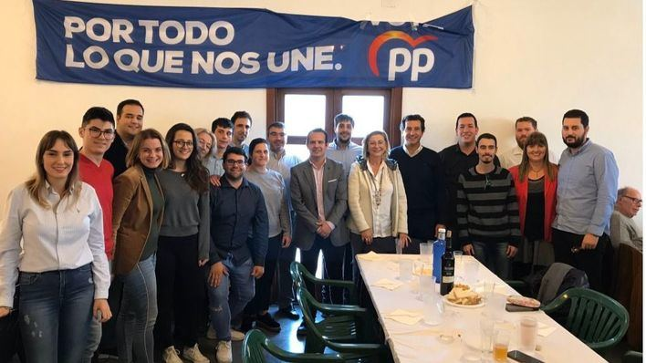 Company celebra los resultados electorales del PP con un encuentro con afiliados en Menorca