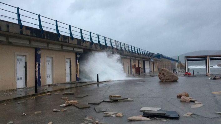 Emergencias atiende 24 incidentes por el temporal de lluvia en Baleares